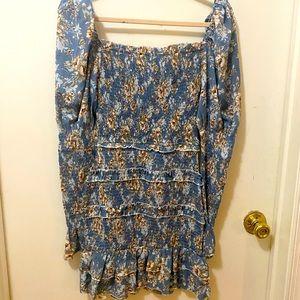 Puff sleeve scrunch dress